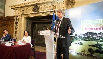 Le 17 juin dernier, Stéphane Le Foll présentait l'état d'avancement du projet agro écologique et les étapes clefs qui interviendront au cours du deuxième semestre 2014.