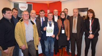 Les acteurs du Charolais signent une charte pour la coh�sion de l'unit� raciale