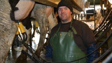 La griffe ADF automatise le trempage des trayons et le rinçage entre deux vaches