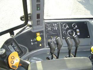 cote agricole d 39 occasion des tracteurs new holland tm 155 range command. Black Bedroom Furniture Sets. Home Design Ideas