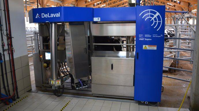 les deux robots de traites Delaval VMS Supra+ vont être relié au laboratoire d'analyse de lait Herd Navigator.