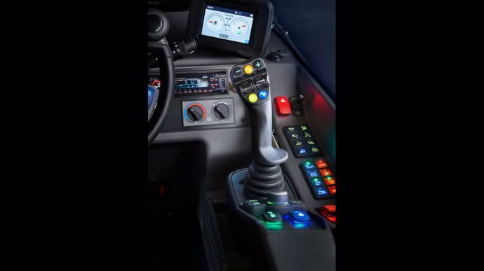 Cabine à commandes rétroéclairées et code couleur