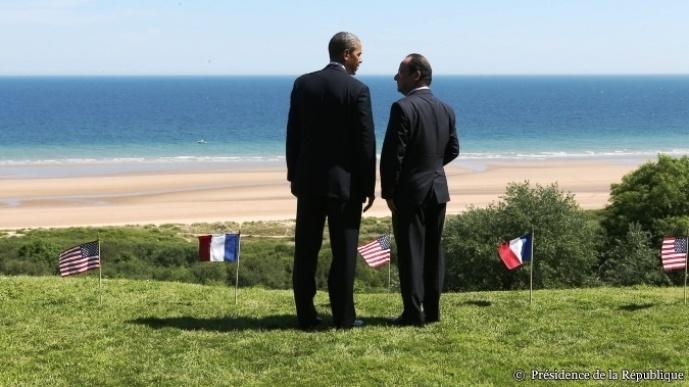 le 6 juin 2014, Barack Obama et François Hollande lors du 70ème anniversaire du D day. Les négociation sur le Ttip étaient au programme des entretiens des deux présidents français et américains.