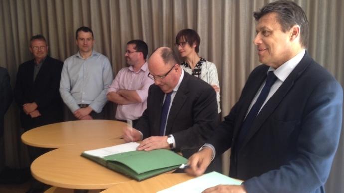 Signature du pacte de responsabilité entre 10 organisations patronales et salariales agricoles