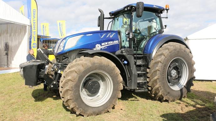 Tracteurs New Holland - Deux p'tits derniers tout en muscles