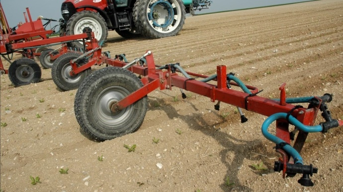 Rampe de localisation de l'herbicide.