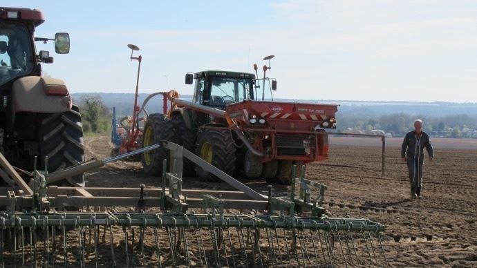 Les entreprises de travaux agricoles subissent elles aussi la crise agricole. Le niveau des encours dans leurs comptes a fortement augmenté ces derniers mois.