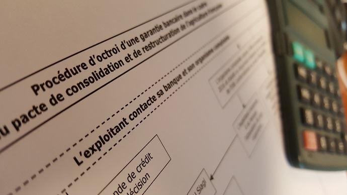 L'instruction technique mentionne notamment que le délai maximal indicatif entre la sollicitation de l'agriculteur et l'édition de l'offre de prêt par la banque ne doit pas excéder 20 jours.