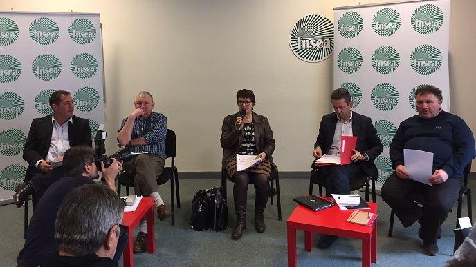 Christiane Lambert, présidente par intérim de la FNSEA, entourée de Jérôme Volle, Henri Brichart, Jérôme Despey et Daniel Prieur.