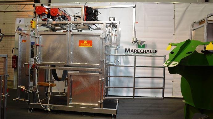 La nouvelle cage de parage PM 4600 de Maréchalle est adaptée aux grands troupeaux