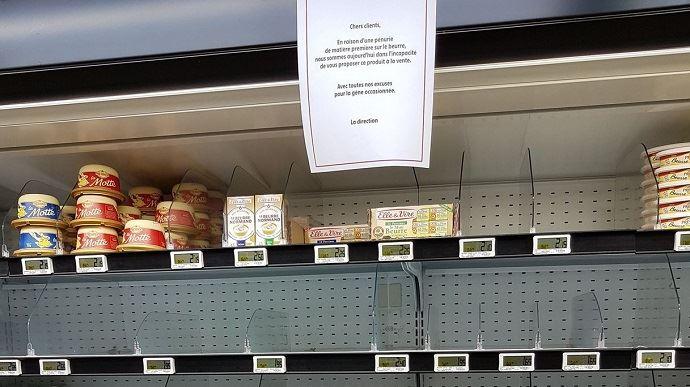 Une consommatrice constate sur Twitter la pénurie de beurre dans son Intermarché, le 11 octobre dernier.