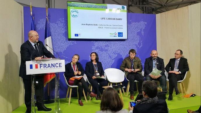 Le ministre de l'agriculture était aux côtés des éleveurs Bruno Dufayet et Marie-Thérèse Bonneau lors de la conférence