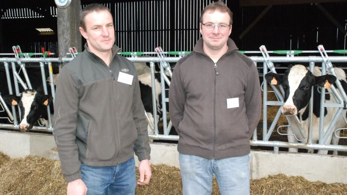 Le Gaec des Longchamps en Mayenne (53) élève des vaches laitières, vaches allaitantes et taurillons en comprimant les charges