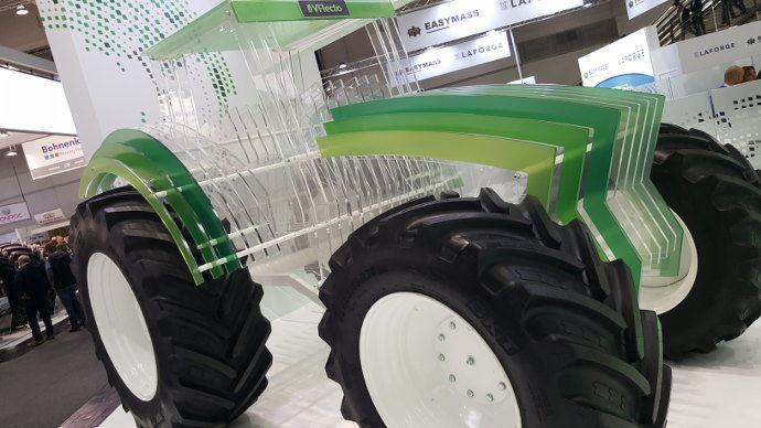Bkt V-Flecto, C'est bien les pneumatiques qui sont innovants, mais le tracteur transparent est vraiment beau non?