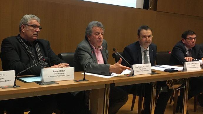 Pascal Ferey (Vice-président), Jean-Louis Cazaubon (Vice-président), Claude Cochonneau (Président), Dominique Chalumeaux (secrétaire général), lors de la présentation des voeux de l'APCA pour 2018.