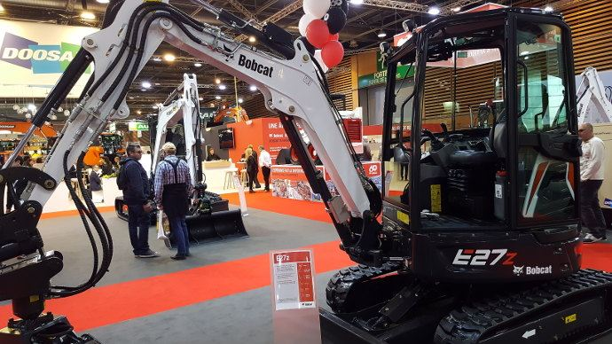 Bobcat E27Z sur le salon internat de Paris