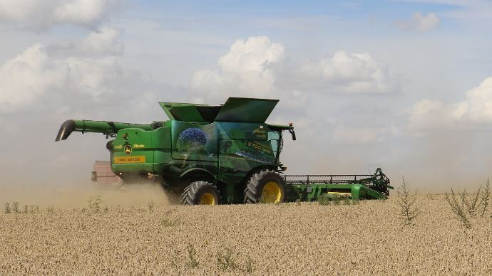 Moissonneuse-batteuse John Deere S700