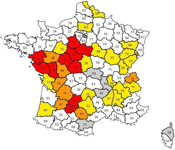 Les départements soumis à des restrictions d'usage de l'eau.
