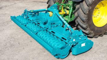 Sulky Cultiline HR.30 pour les tracteurs jusqu'à 300 ch