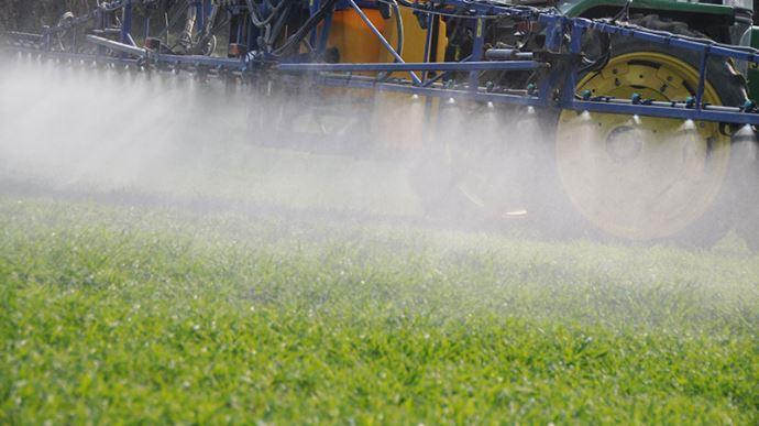 Traitement herbicide avec adjuvants
