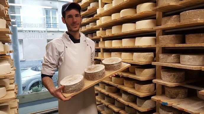 Ouverte en fin d'année 2018, la fromagerie parisienne de Paul est d'ores et déjà rentable. En effet, le concept attire beaucoup de monde et lui permet de communiquer sur l'élevage et la transformation des produits laitiers.