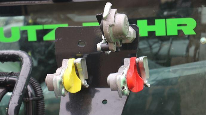 Report de la double ligne de freinage pour les véhicules remorqués