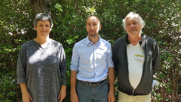 De gauche à droite, Véronique Marchesseau (Morbihan), Nicolas Girod (Jura) et Jean-François Périgné (Charente-Maritime) ont été élu respectivement secrétaire générale, porte-parole et trésorier de la Confédération paysanne.