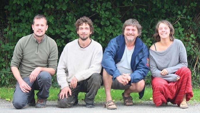 clemence alexis nicolas philippe cedant et repreneurs de la ferme de kervel dans le finistere