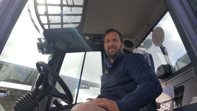 Laurent Archer au volant de son agro-chargeuse Kramer KL 60.8L