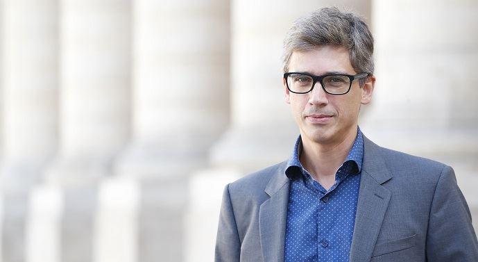 Constantin Pavléas est avocat spécialiste du droit des nouvelles technologies. Il est coordinateur du programme droit du numérique et propriété intellectuelle et responsable d'enseignements à l'école des hautes études appliquées du droit.