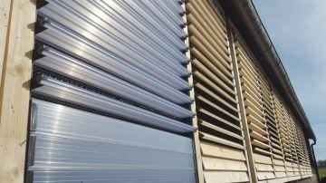 Des lames orientables pour réguler la ventilation des bâtiments d'élevage