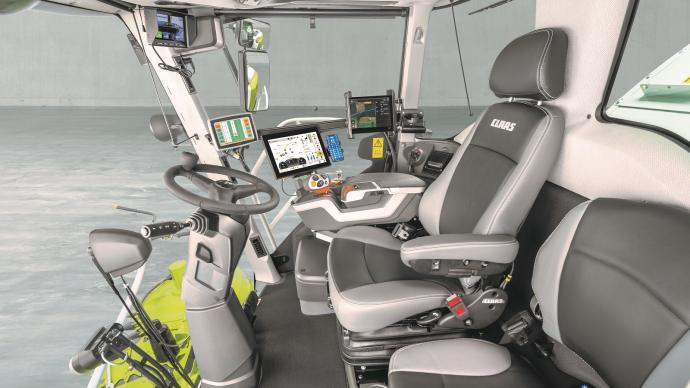 Le nouvel espace de pilotage Jaguar intègre un terminal tactile Cebis et une nouvelle direction dynamique.