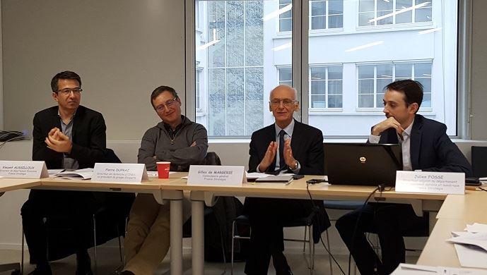 Autour de Gilles de Margerie, commissaire général de France Stratégies, Vincent Aussilloux, Pierre Dupraz et Julien Fosse sont les co-auteurs du rapport sur la réforme de la Pac.