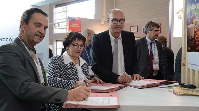 GRTgaz, l'APCA et la FNSEA renouvellent leur partenariat en faveur de la production de biogaz