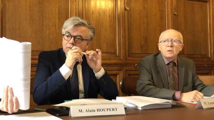 Les sénateurs Alain Houpert et Yannick Botrel ont présenté leur rapport sur le financement de l'agriculture biologique, le 5 février