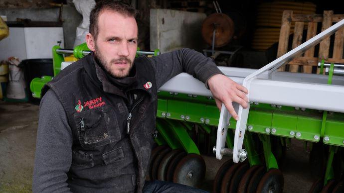 François Coutant, polyculteur-éleveur à Maulévrier, dans le Maine-et-Loire, teste le prototype Orbis depuis un an.