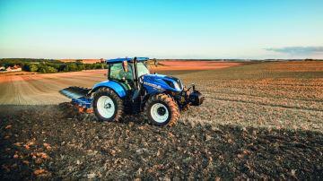 New Holland ajoute le six cylindres compact de 135ch à sa gamme T6