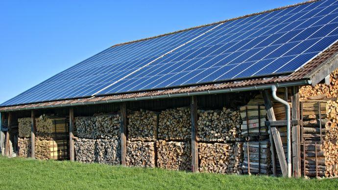 Les grands groupes font main basse sur le photovoltaïque agricole - Terre-net