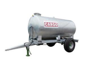 Cargo sort des tonnes à eau