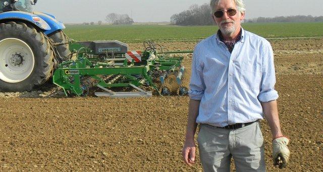 Hervé De Bruyn : « Pouvoir optimiser mon chantier de semis sans faire de compromis sur le rappuyage »
