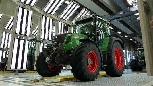 Tunnel d'éclairage Rft de la nouvelle chaîne de production de tracteurs Fendt à Marktoberdorf