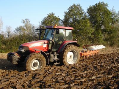 Tracteur Case IH Mxm 140.