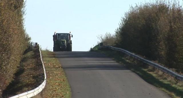 Bientôt des tracteurs à plus de 40 km/h et un permis pour les agriculteurs ?