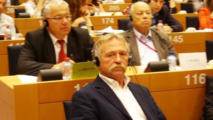 José Bové, député européen, vice président de la commission Agriculture du Parlement européen, lors de la restitution des résultats du dernier trilogue et de la présentation de l'accord sur la réforme de la Pac, au Parlement européen.