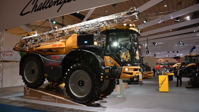 Automoteur de pulvérisation Challenger RoGator 600C