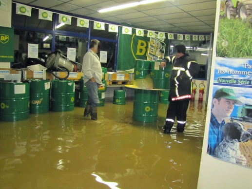 Jusqu'à 50 cm d'eau à l'intérieur des bâtiments de la concession Le Roux Sas