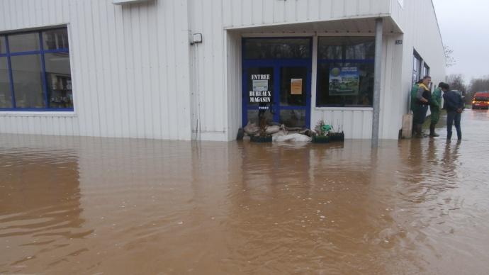 inondation à la concession agricole Le Roux Sas